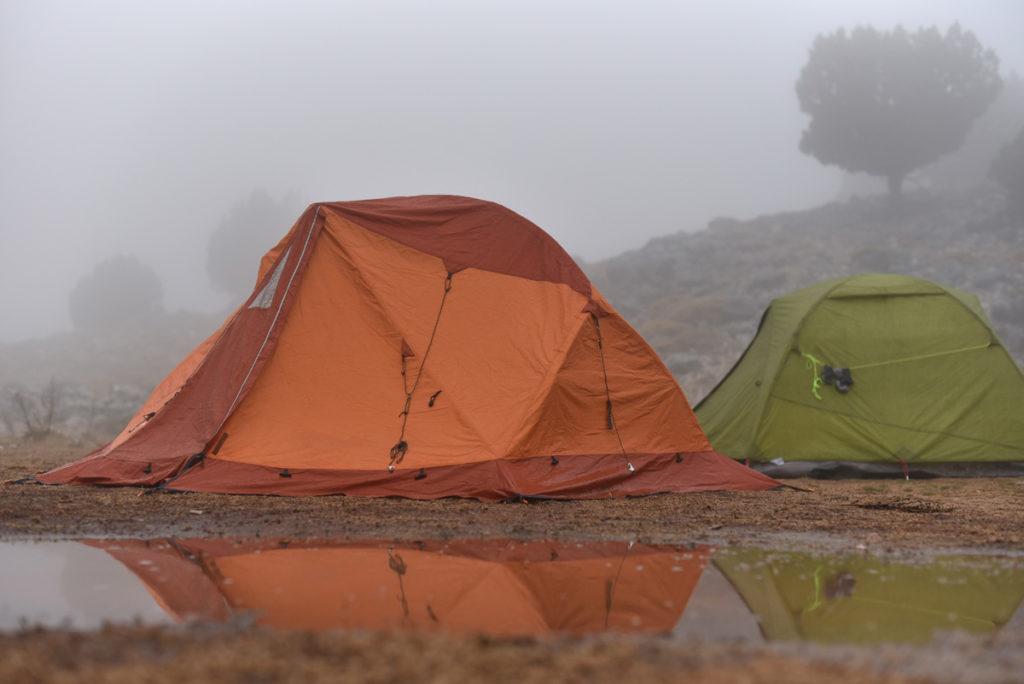 水はけの良い場所テント